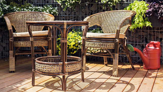 Four places to get deals on outdoor furniture 4 might for Good places to get furniture