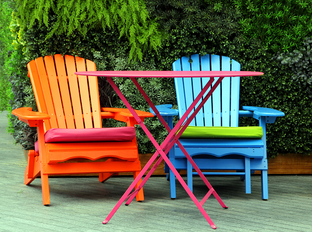 Four places to get deals on outdoor furniture 4 might for Places to get furniture